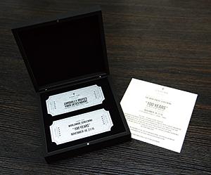 メタル製の招待状