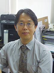 鍋島 寛志 氏
